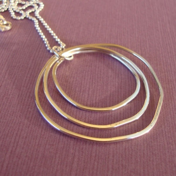 Sterling Silver Eccentric Circles Necklace - by GetSilvered on madeit