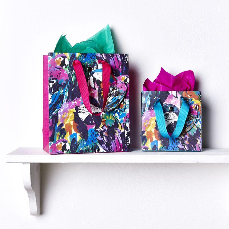 .love this paper bag !