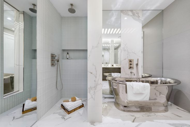 Bethenny Frankel and Fredrik Eklund are flipping a Flatiron condo - Curbed NYclockmenumore-arrownoyes : It's a two-bedroom at 10 Madison Square West