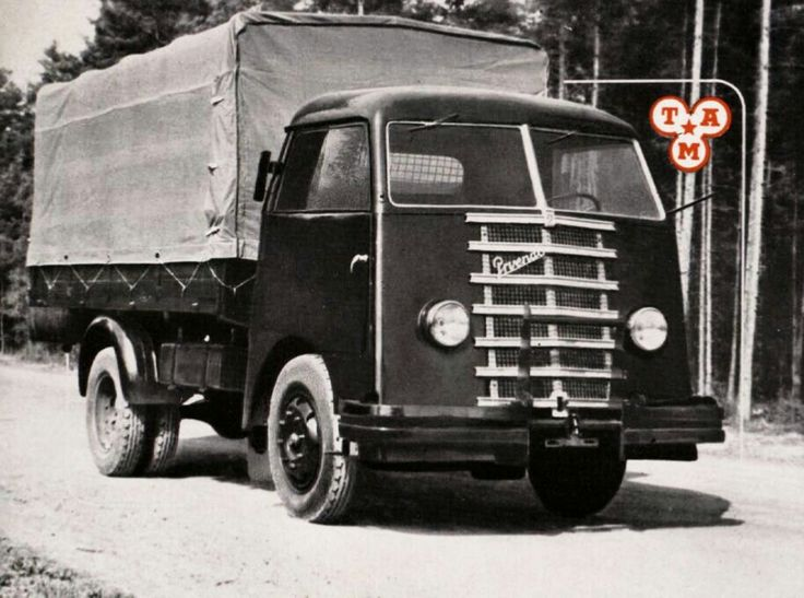 Prvenac (from TAM and IMR) was made in 1949. Only 3 of them were made in Rakovica. Autokaroserija Zagreb made cab. Six cylinder, 3.895 ccm, 70 HP.