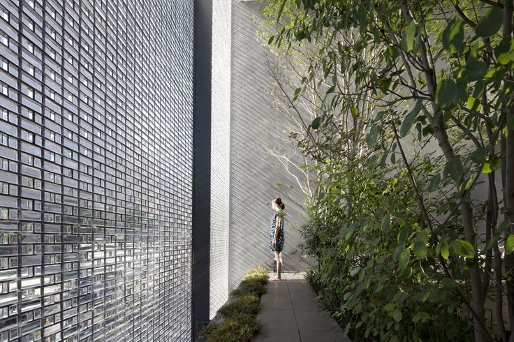 An incredible interior courtyard shielded by optical glass bricks design pinterest glass brick optical glasses and bricks