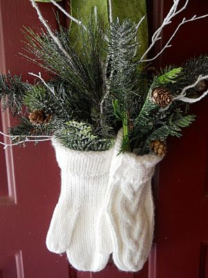 This is a great alternative to a wreath. I love the mittens!: Decor Ideas, Doors Decor, Cute Ideas, Mittens, Front Doors, Christmas Decor, Christmas Ideas, Winter Wreaths, Christmas Door