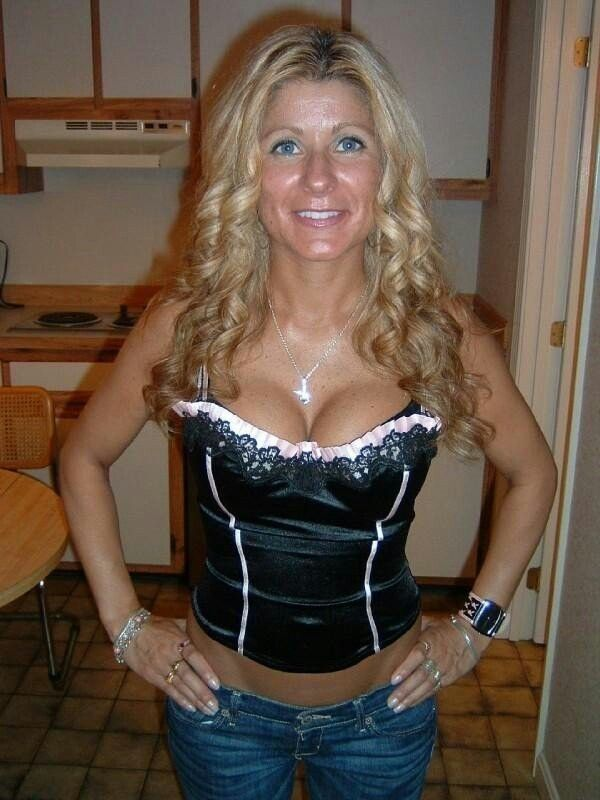 chama milfs dating site This is the best milf dating site review you will find we if you had a large number of attractive milfs on your site that would be the first thing you would.