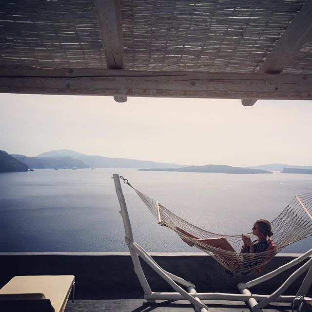Every day is Sunday here! #AndronisExclusive #VolcanicView #Santorini Photo credits: @ericajaynehall