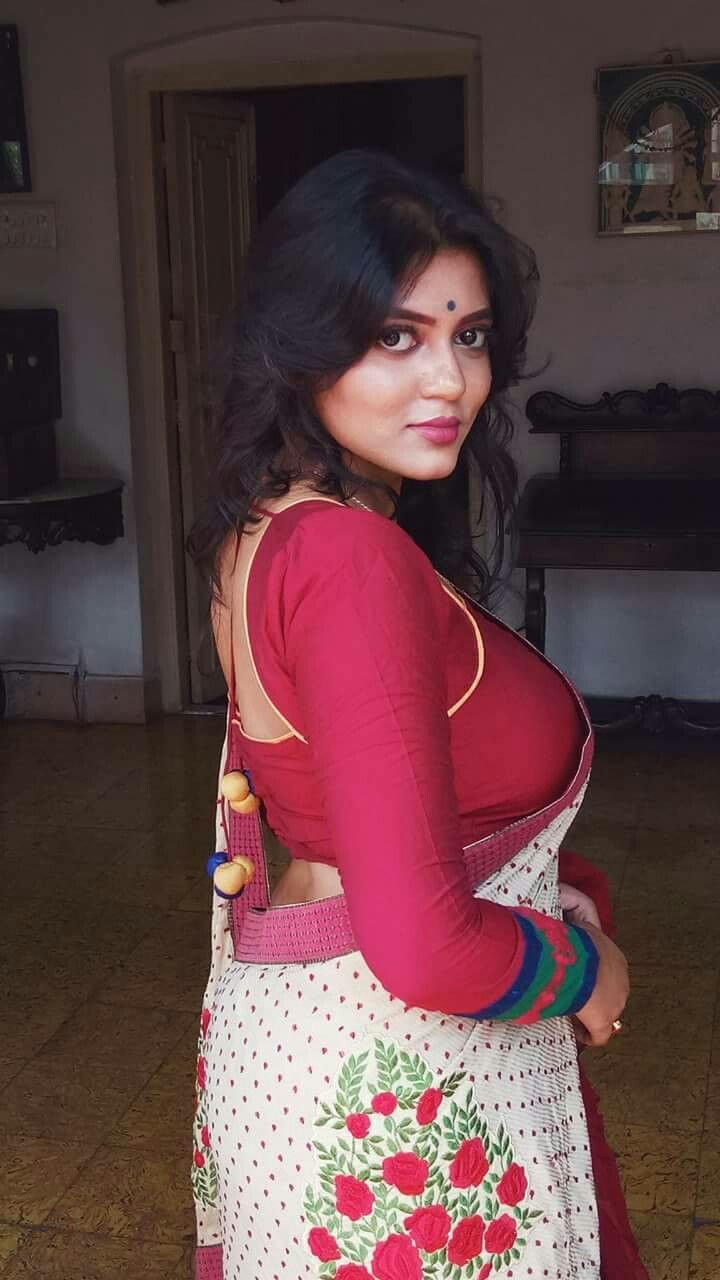 Super sexy figure aunties pics