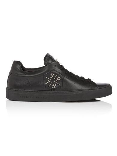 PHILIPP PLEIN Philipp Plein Sneakers Reaper. #philippplein #shoes #sneakers