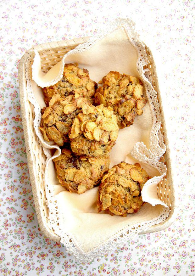 Coconut Cookies with Chocolate Cornflakes - VANIGLIA - storie di cucina: biscotti cocco cioccolato e fiocchi di mais