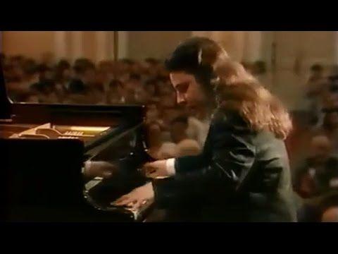 Alexei Sultanov plays Prokofiev - Piano Sonata No.7 (live in Moscow, 1998)