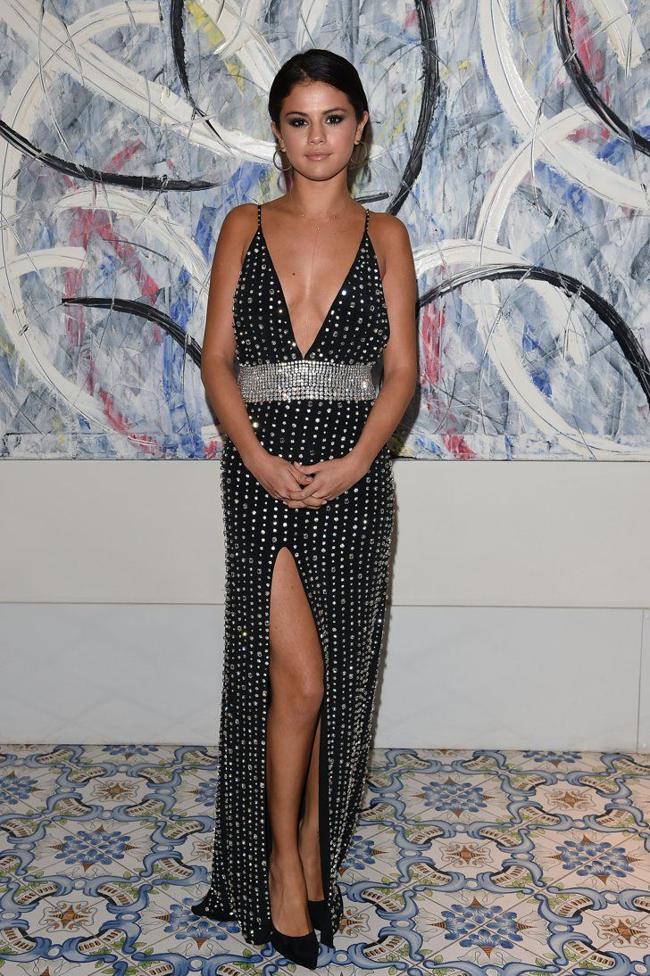 Pin for Later: Die 35 heißesten Outfits von 2014 Selena Gomez