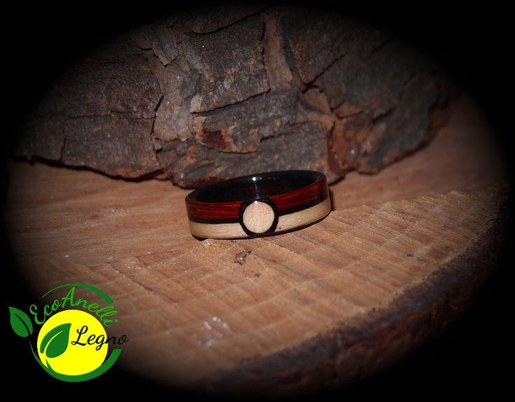 Anello in Legno Pokemon Ball - Wood Ring Interno e intarsio in Ebano, esterno in Acero e Padouk