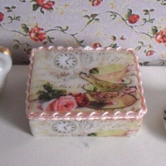 Dollhouse caja de té + sobres de té + colador de té esc 1/12