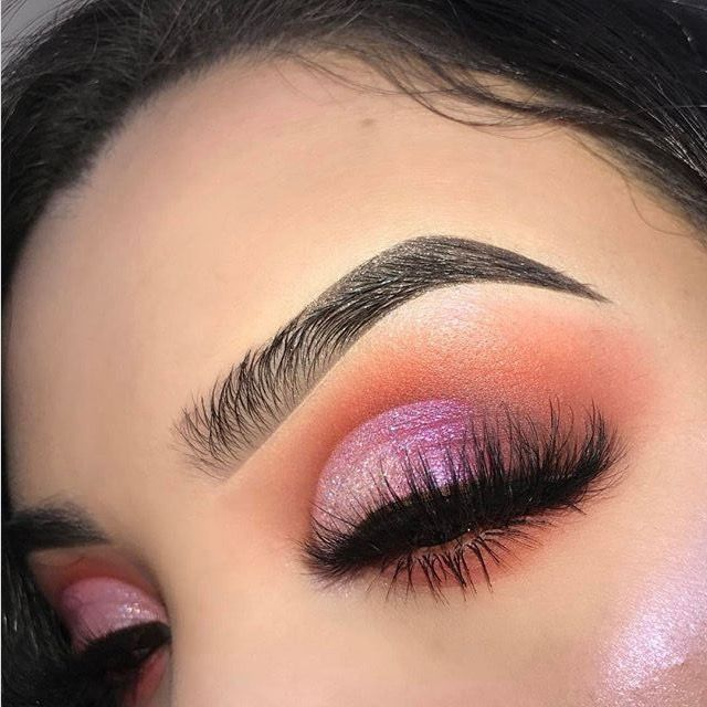 / Pinterest naomiokayyy Makeup, Beauty, faces, lips, eyes, eyeshadow, hair, colour, ombre, body, body goals, fitness, workout, ink, tattoos, nails, claws, piercings, SFX ,makeup, special effects , makeup artist http://hubz.info/113/stunning-wedding-nail-art-desgins