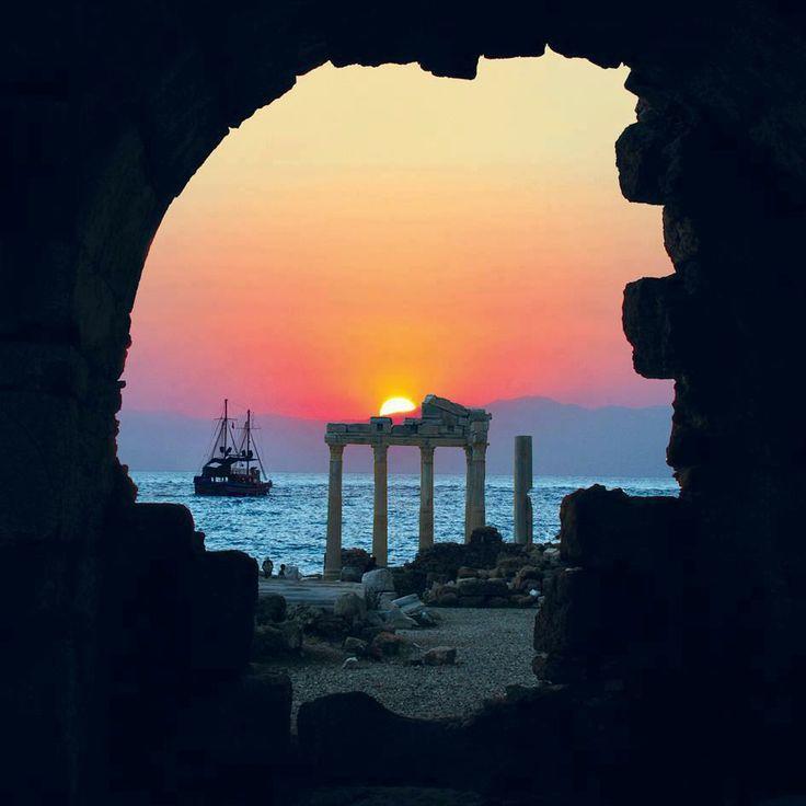 Apollon Temple - Side / Turkey