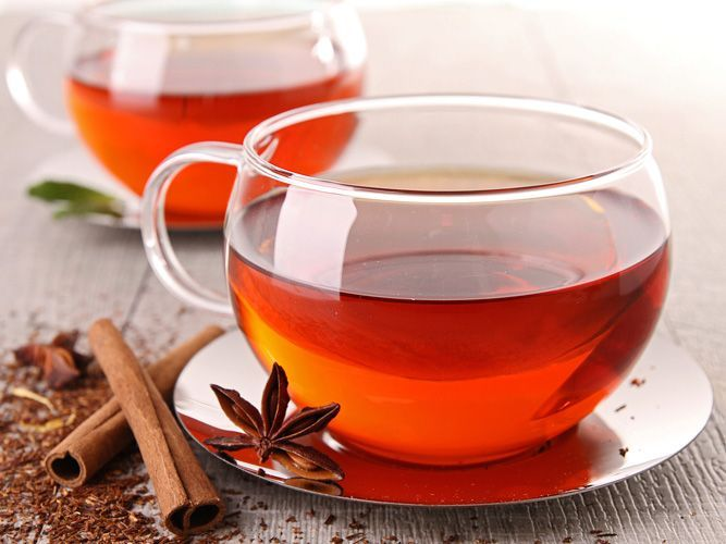 La tisana alla cannella è un perfetto rimedio naturale per il mal di gola, sia stagionale che dovuto al cambio di temperatura repentino.