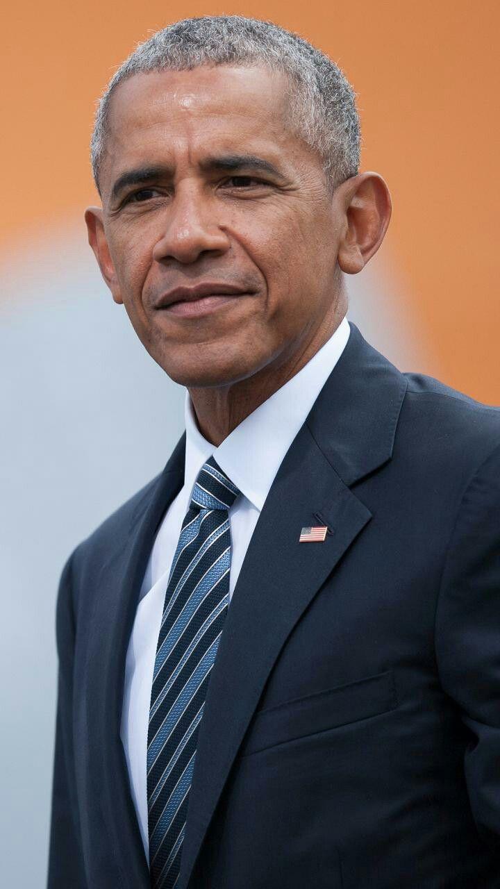 Pin By Juli Singh On Celebs With Images President Obama Barack Barack Obama