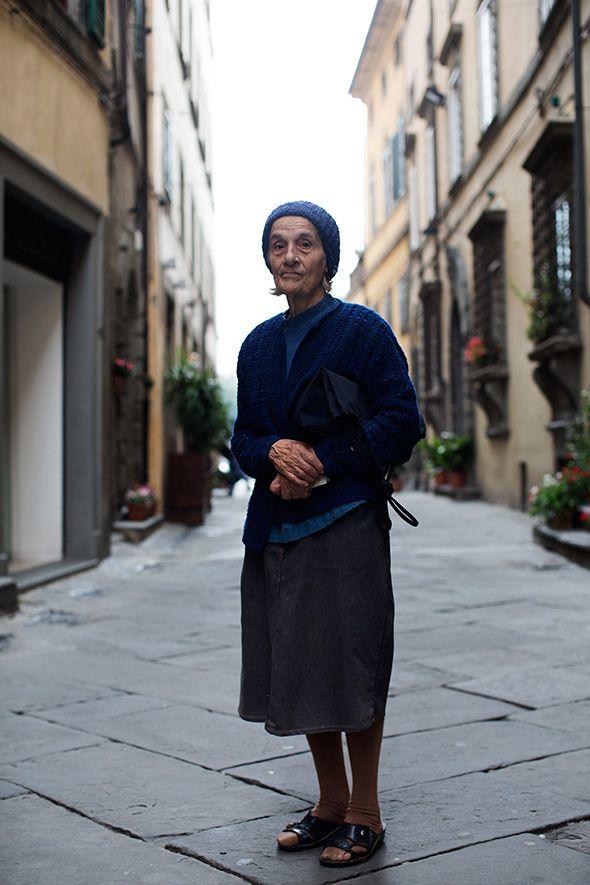 I love the way old Italian women dress. | Street Style ...