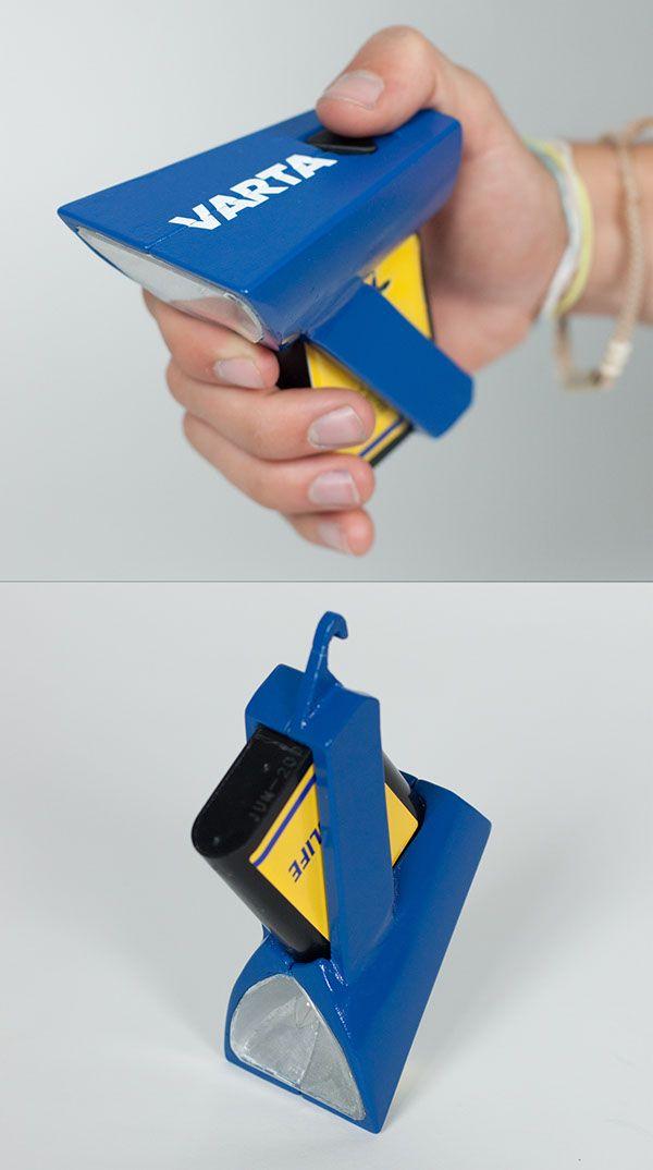 VARTA Flashlight on Behance  Lampe / poche / camping  design / Mathieu Saulnier