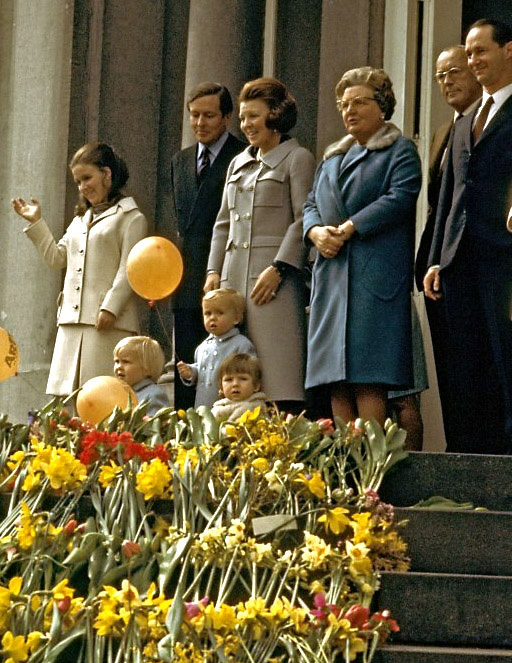 Defilé Paleis Soestdijk 30 april 1970.