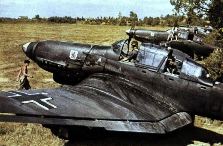 Junkers Ju 87D Stuka   World War Photos