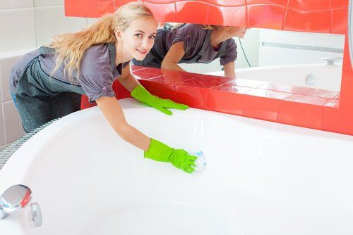 Limpiar la bañera