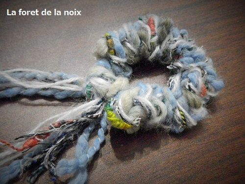 編み棒がなくても作れる!【簡単】毛糸のシュシュの作り方|その他|ファッション小物|ハンドメイド・手芸レシピならアトリエ
