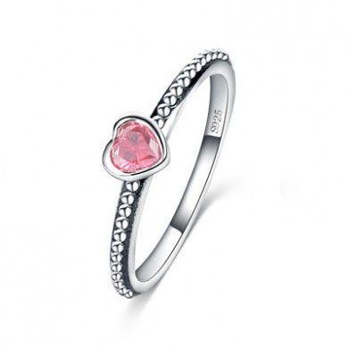 eff26008f6a Anel Solitário com Coração Rosa - Aliança com coração de zircônia rosa