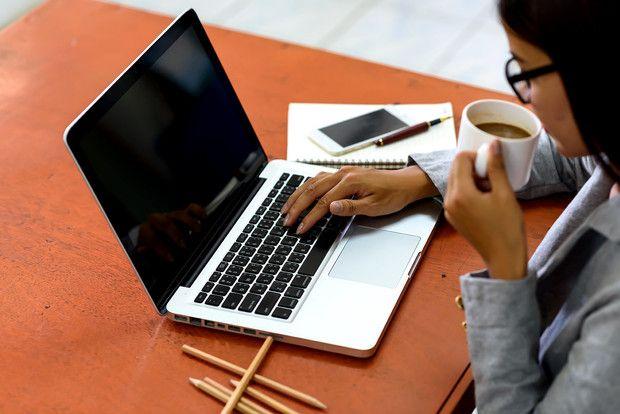 Si buscas trabajo, seguro has visto que piden cover letters... ¿pero qué es eso? Le pedimos ayuda a un experto para que obtengas el trabajo de tus sueños. Stay At Home, Interesting Stuff, Ideas, How To Make, Home, Thoughts