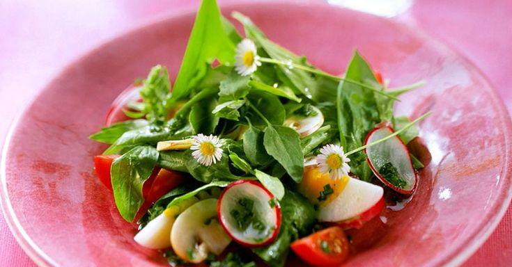 7 gesunde Bärlauch-Salat-Rezepte mit frischen und leckeren Zutaten. Bereite Dein Bärlauch-Salat Rezept doch mal mit EAT SMARTER zu!