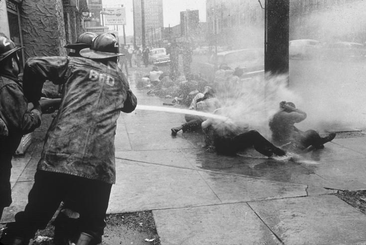 Civil rights protesters getting hosed. Birmingham, Alabama, 1963 pic.twitter.com/BXGKifOWNa