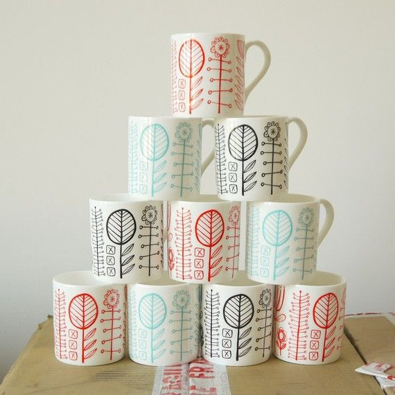 would love to paint this kind of design on thrifted white mugs and replace our mismatched mugs!