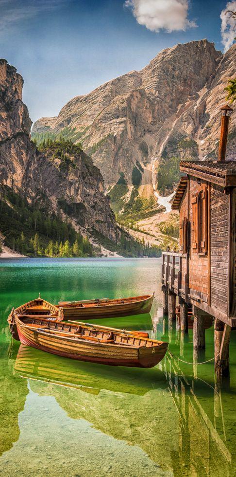 Lago di Braies, Italy ♥ Seguici su www.reflex-mania.com/blog