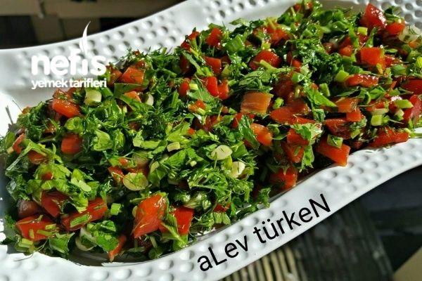 Mükemmel Közlenmiş Kırmızı Biber Salatası Tarifi nasıl yapılır? 1.497 kişinin defterindeki bu tarifin resimli anlatımı ve deneyenlerin fotoğrafları burada. Yazar: aLev TürkeN :)
