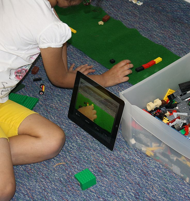 This film making class uses iPads and legos!