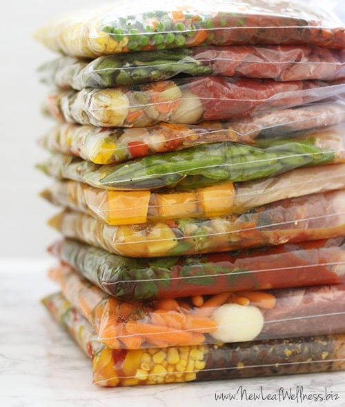 Com um freezer bem organizado você consegue controlar melhor o que tem congelado, evitando desperdício de alimento e consequentemente de dinheiro!