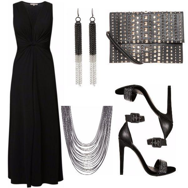 E se aggiungessimo un tocco di rock a questo abito nero molto semplice? A volte con pochi accessori possiamo trasformare.. anche quella serata a cui teniamo molto senza spendere tantissimo. Vi piace?