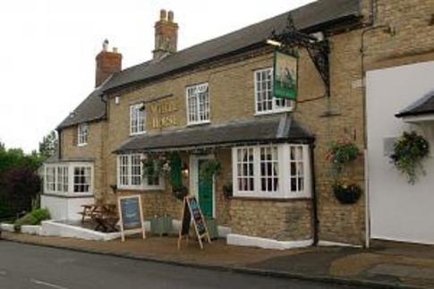 White Horse Pub, Stocks Hill, Silverstone, Towcester, Northamptonshire, NN12 8US on UK Pub Finder .com