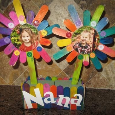 Popsicle Stick Flower Box {Kids Crafts} (we have a lot of popsicle sticks!)