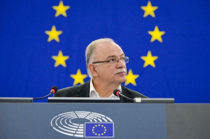 Ερώτηση προς την Κομισιόν κατέθεσε ο Αντιπρόεδρος του Ευρωπαϊκού Κοινοβουλίου και επικεφαλής της Αντιπροσωπείας του ΣΥΡΙΖΑ, Δημήτρης Παπαδημούλης, με αφορμή την ανάγνωση του Κορανίου και την τέλεση…