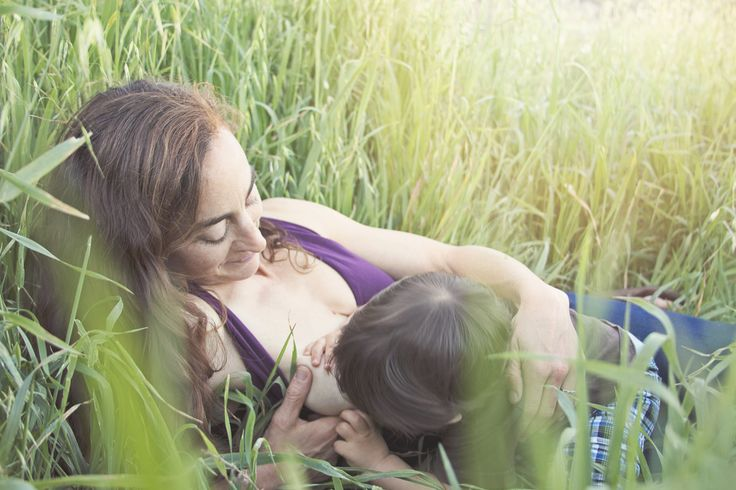 Danielle Miranda Photography - Home Breastfeeding Photography
