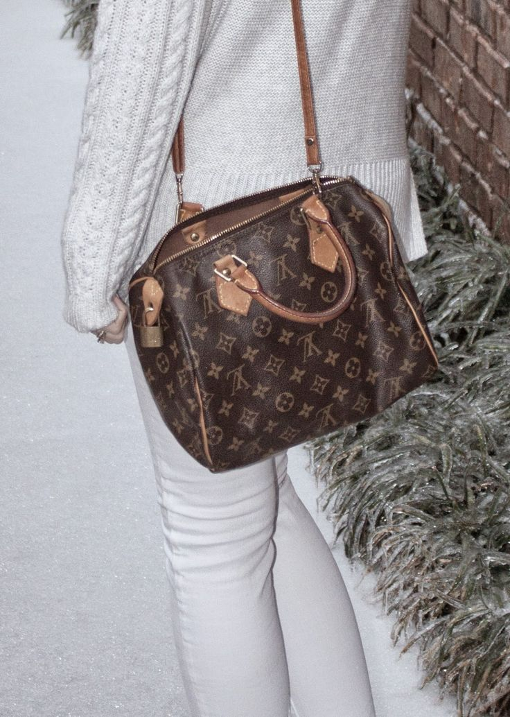 threaddiction: Comfy Chic add a strap to your speedy 25 to make it a crossbody. Louis Vuitton fashion on a budget white jeans ae old navy sweater white converse