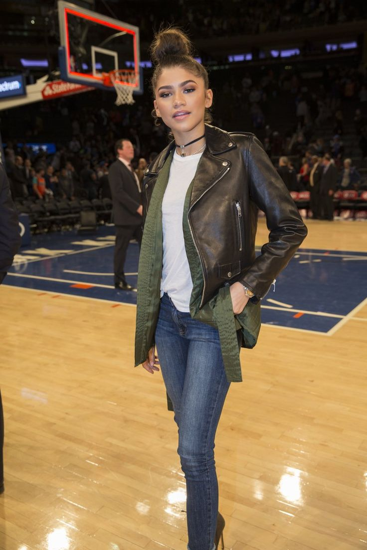 Zendaya at the Thunder vs Knicks game in NYC 11/28/16