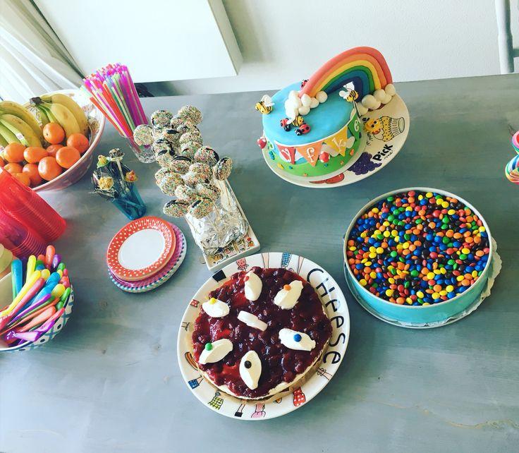 Rainbow party regenboog verjaardag taart