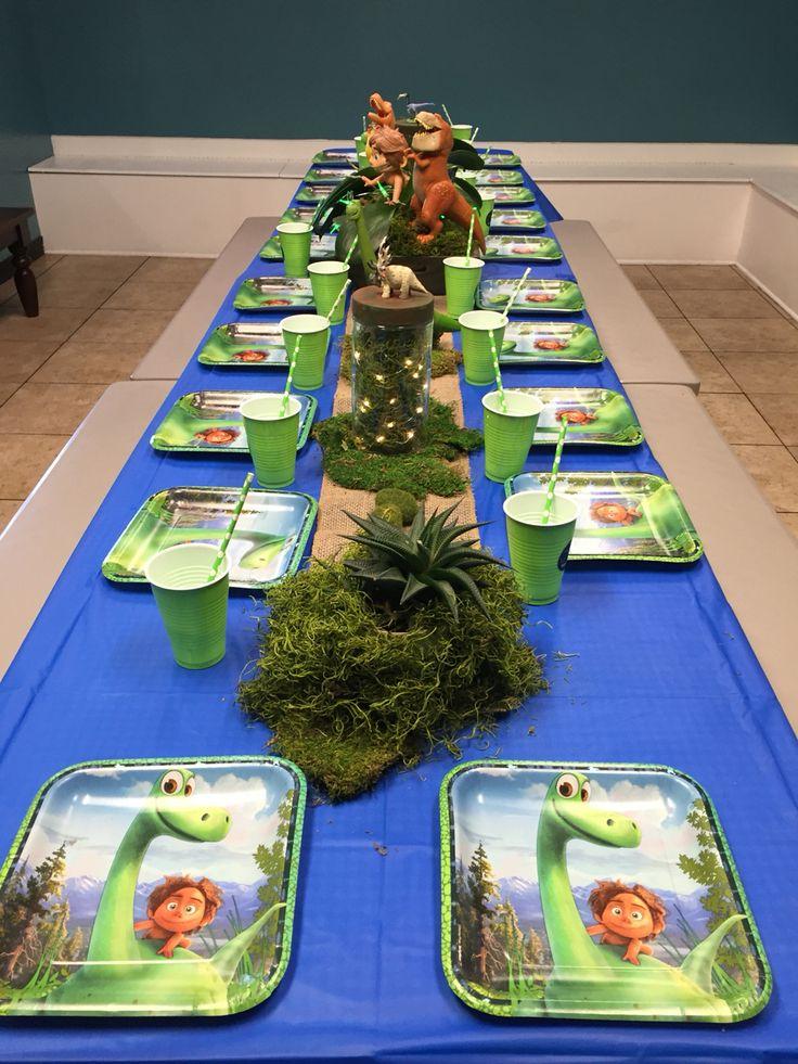 Good Dinosaur party table