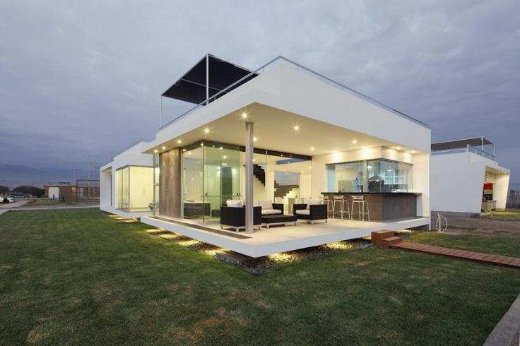 Casa V2 en Playa Gaviotas / Gomez de la Torre & Guerrero Arquitectos