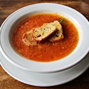 Tomatensoep met oude kaas