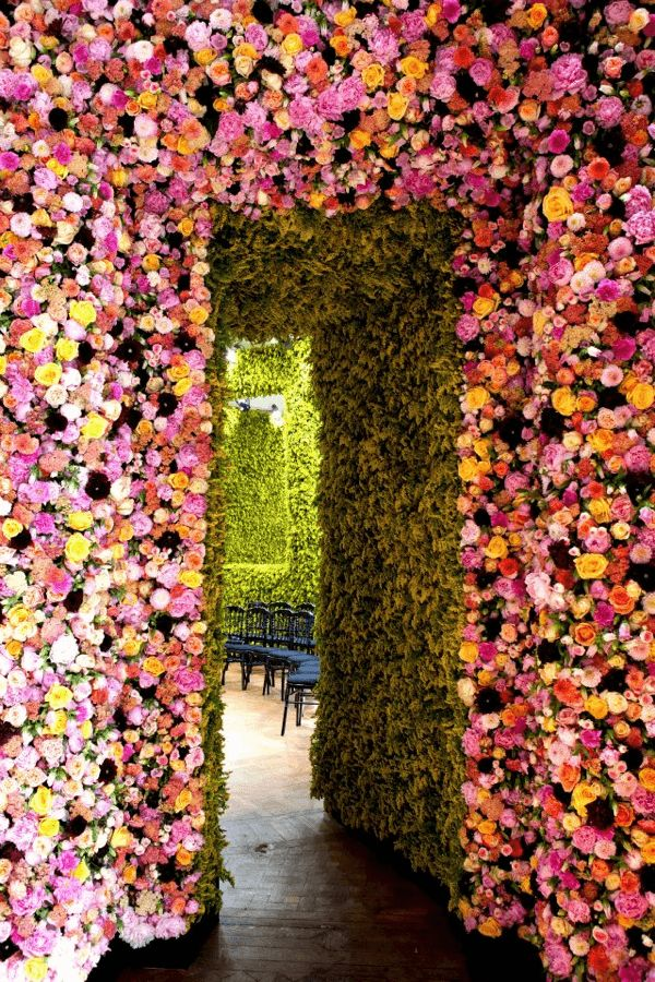 Garden couture at Dior via http://www.thehousethatlarsbuilt.com/2012/07/garden-couture-at-dior.html