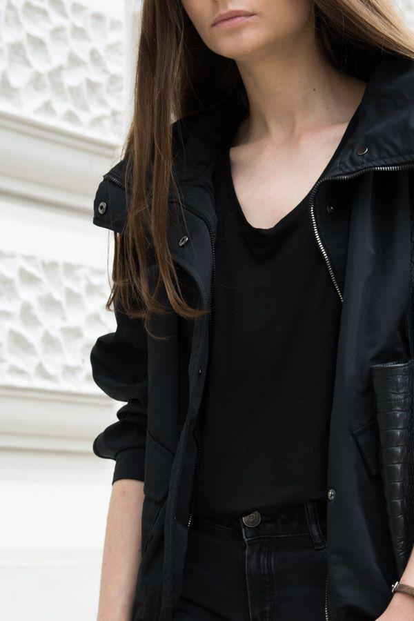 9. September 2016 BACK TO BLACK CZERŃ NA JESIEŃ Bomber jacket is one of this…