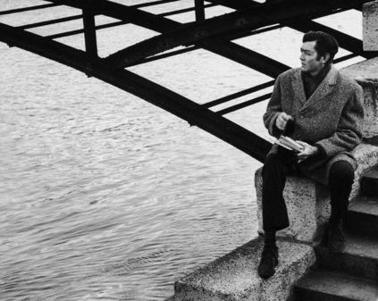Julio Cortázar: Ciao, Verona : Ignoria (Foto: Julio Cortázar en Paris 1969 por Pierre Boulat) http://bibliotecaignoria.blogspot.com/2013/09/julio-cortazar-ciao-verona.html#.UkbMA4ZWySo