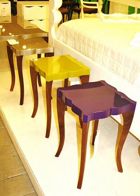 a quick way to modernize a plain end table or any plain table - lacquer the top in a beautiful color :O)