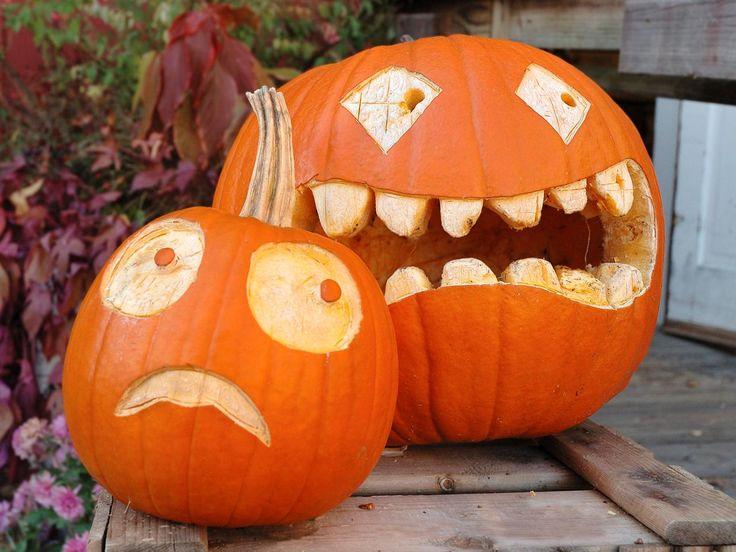22 Traditional Pumpkin Carving Ideas